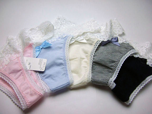 Ưu tiên chọn đồ lót có chất liệu cotton để tránh bệnh phụ khoa