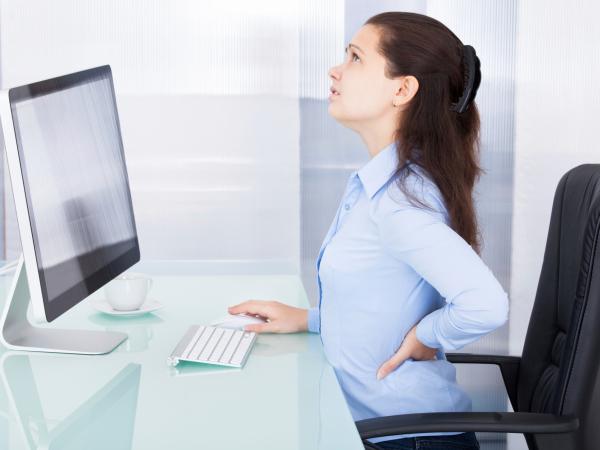Đau lưng: Đừng nên bỏ qua bệnh viêm niệu đạo