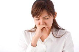 Huyết trắng có mùi hôi tanh: Không nên lơ là