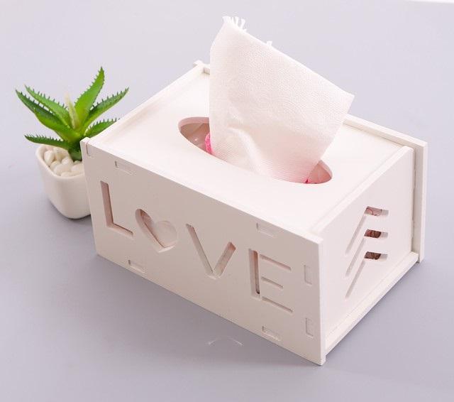 Cách vệ sinh vùng kín phụ nữ đúng cách là chỉ nên dùng khăn giấy khử trùng để vệ sinh vùng kín trước và sau khi quan hệ