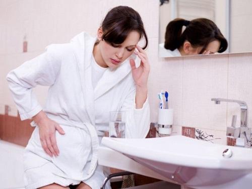 Mang bầu bị viêm nhiễm phụ khoa nên làm gì?