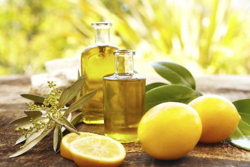 Hãy dùng dấu oliu và chanh tươi nếu muốn khử mùi hôi vùng kín nhanh