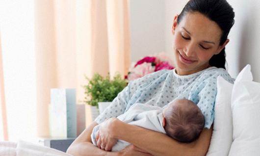 Lưu ý đến cách chăm sóc và vệ sinh vùng kín đúng cách sau khi sinh