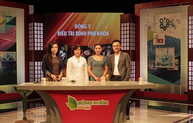 Bác sĩ Thanh Hà - Giám đốc Trung tâm Sản phụ khoa Đông y Việt Nam là chuyên gia tư vấn sức khỏe Phụ khoa cho người bệnh trong chương trình Sống khỏe mỗi ngày VTV2